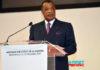 Le Président de la République, Denis Sassou Nguesso a délivré un Message sur l'état de la Nation ce mercredi 23 décembre au Palais des Congrès, à Brazzaville, en présence des parlementaires. Nous publions in extenso le discours du Chef de l'Etat Denis Sassou Nguesso. Monsieur le Président du Congrès ; Monsieur le Président du Sénat ; Monsieur le Premier ministre, chef du gouvernement ; Mesdames et messieurs les membres du gouvernement ; Mesdames et messieurs les parlementaires ; Mesdames et messieurs les ambassadeurs et chefs de missions diplomatiques ; Mes chers compatriotes ; Les dispositions constitutionnelles en vigueur dans notre pays prescrivent au Président de la République d'adresser, une fois par an, un Message sur l'état de la Nation au Parlement réuni en Congrès. Je voudrais m'acquitter de ce devoir en rendant préalablement un vibrant hommage aux deux anciens Chefs d'Etat, Jacques Joachim YHOMBY OPANGO et Pascal LISSOUBA, que la mort a arraché à la Nation cette année. J'exprime également ma profonde compassion à nos compatriotes dans l'affliction, suite à la disparition, en 2020, des êtres chers. Mes chers compatriotes ; Dresser l'état des lieux de notre pays en 2020 et décliner les axes de notre action pour 2021, telle est l'articulation du présent message. Cependant, il serait ardu d'honorer cette exigence constitutionnelle sans établir la liaison directe entre le contexte national et l'apparition de la pandémie de COVID-19 qui continue de désarticuler toutes les économies du monde. Les secteurs économiques, financiers, sociaux, culturels, scientifiques et administratifs ont été fortement touchés par l'impact ravageur du CORONAVIRUS, ce qui m'amène à évoquer, à juste titre : –les effets néfastes de ce fléau sur l'économie nationale ; –l'organisation de la riposte à la pandémie ; –les dispositions prises pour garantir nos ambitions de relance économique ; –les avancées réalisées dans le domaine des infrastructures au niveau social ; –les projets et les a
