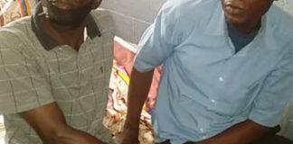 Les présumés trafiquants ont été arrêtés le lundi 4 janvier 2021 à Brazzaville en flagrant délit de détention, circulation illégales et tentative de commercialisation d'une peau de panthère. a eu lieu grâce à l'action de la gendarmerie nationale et la direction départementale de l'économie forestière avec l'appui du projet d'appui à l'application de la loi sur la faune sauvage (PALF). Cette arrestation est, en effet, une preuve que le trafic des produits fauniques issus des espèces animales intégralement protégées s'effectue toujours, malgré les efforts que fournissent les autorités en cette période de crise sanitaire due au covid-19. Les trafiquants dans leur faits et gestes s'organisent pour tirer profit du patrimoine faunique, contribuant ainsi à sa destruction. Au cours des dernières années, le trafic des espèces fauniques dans le monde est devenu plus organisé, plus lucratif, plus mondialement répandu, et plus dangereux que jamais au même titre que le trafic de drogue. Toutes les espèces animales sauvages sont concernées. Un rapport publié par Wildlife Conservation Society (WCS) déclare que les éléphants des forêts d'Afrique ont décliné de 62% en 10 ans. Ce même rapport ajoute que chaque 15 minutes, en moyenne, un éléphant est illégalement abattu sur le continent africain pour nourrir une demande insatiable en ivoire. Le commerce illégal des produits de la faune conduit à l'extinction des espèces animales sauvages à travers le monde. Les regards sont dorénavant tournés vers la justice dans l'attente de la sentence que sera réservée aux deux présumés délinquants. Notons qu'en République du Congo, la panthère fait partie des espèces animales intégralement protégées, conformément à l'arrêté n°6075/MDDEFE/ CAB du 9 avril 2011 déterminant les espèces animales intégralement et partiellement protégées. En outre, l'article 27 de la loi 37/2008, du 28 novembre 2008 sur la faune et les aires protégées stipule«l'importation; l'exportation; la détention et le transit sur l